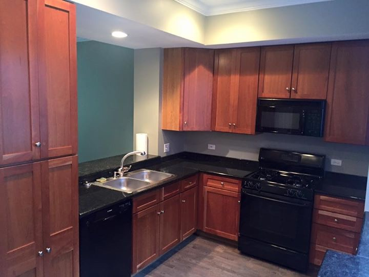 Kitchen cabinets refinishing in chicago lincolnwood for Kitchen cabinets chicago
